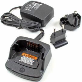 Motorola PMLN6393A TÖLTŐTALP ADAPTERREL / XT225/420/460/660